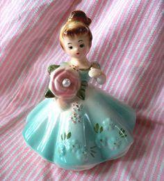 Josef figurine - Pearl, June birthstone