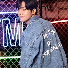 Asian Celebrities, Asian Actors, Korean Actors, Manado, Beautiful Person, Beautiful Men, Chani Sf9, Boy Idols, Kdrama Actors