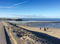Het strand van Cadzand met links de nieuwe jachthaven. #vakantiehuis