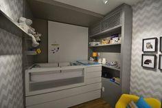 Organizar, planejar e decorar o quarto de bebê é uma das atividades mais gostosas quando se está aguardando a chegada de um novo membro da família. Escolher móveis, acessórios e outros itens, porém não é das tarefas mais fáceis, de um lado a enorme variedade de opções que o mercado oferece, de outro, a necessidade…