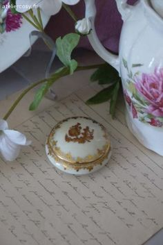 Mini bonbonnière porcelaine de Limoges Brocante de charme atelier cosy.fr