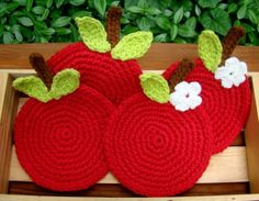 Crochet Apple Coasters Red Delicious Set of 4 by MagnoliaSurprise, $19.00