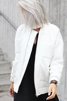 Love her grey hair cut in a bob it makes her look so modern and classy. Outfit: long dress and bomber - My Dubio