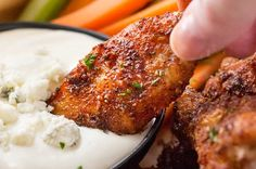 Tender, juicy baked chicken wings coated in a mouthwatering homemade dry rub that will have your tastebuds singing! Pair it with a creamy gorgonzola dipping sauce and it's a party hit! These baked chi Crispy Baked Chicken Wings, Cooking Chicken Wings, Chicken Wing Recipes, Chicken Wing Sauces, Glazed Chicken, Chicken Chili, Dry Rub Chicken Wings, Dry Rub Wings, Chicken Wing Marinade