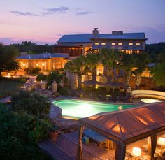 Two Austin resorts managed to claim spots on USA Today's 10 Best Reader's Choice…