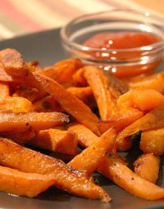Weight Watchers - Crispy Sweet Potato Fries Preheat oven to 450 degrees. Cut potatoes into 1/2 inch wedges. Toss with 1 tblsp oil, ¼ tsp salt, ¼ tsp pepper in med bowl. Arrange in a single layer on a nonstick baking sheet. Bake, turning once, until browned/crisp, about 35 min.