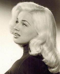 Old Hollywood Stars, Old Hollywood Glamour, Vintage Glamour, Vintage Hollywood, Vintage Beauty, Classic Hollywood, Diana Dors, Veronica Lake, Classic Actresses