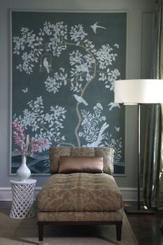 muted pattern chaise with help of wallpaper Silk Wallpaper, Hand Painted Wallpaper, Framed Wallpaper, Chinoiserie Wallpaper, Hand Painted Walls, Chinoiserie Chic, Wallpaper Panels, Office Wallpaper, Beautiful Wallpaper