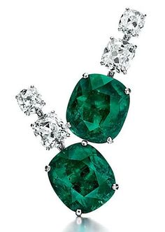 A PAIR OF IMPORTANT EMERALD AND DIAMOND EAR PENDANTS