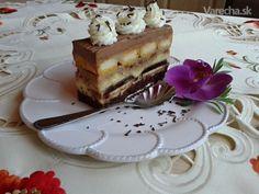 Gaštanové rezy so želé piškótami (fotorecept) - recept | Varecha.sk Tiramisu, Sweets, Ethnic Recipes, Food, Gummi Candy, Candy, Essen, Goodies, Meals