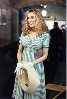 "Carrie Bradshaw (vintage looking) dress. When she spies on Big and his mother in church. Episode 112 ""Oh Come All Ye Faithful"", Season 1, 1998"