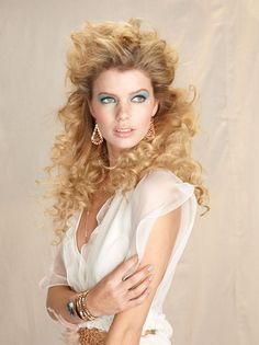 Expand your menu of texture services by offering extensions to clients who have curl  |  ModernSalon.com