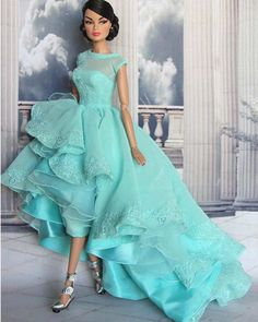 Our wood-based barbie dolls residence compilation consists of a series of different varieties and dimensions, our wood-based toy dolls holds are divinely detailed inside and out. Barbie Gowns, Barbie Dress, Barbie Clothes, Barbie Style, Barbie Fashionista, Fashion Royalty Dolls, Fashion Dolls, Barbie Mode, High Low Prom Dresses