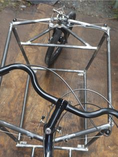 Cable steer cargo bike