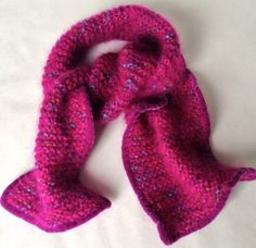 Click here to DIY Simple Velvety Trimmed Scarf (knit or crochet).  Blog & Video from MrsPollyRogers.com