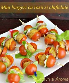 cu carne Archives - Page 3 of 12 - Lecturi si Arome Yummy Appetizers, Appetizers For Party, Party Appetisers, Small Desserts, Romanian Food, Brunch, Cooking Recipes, Healthy Recipes, Party Snacks