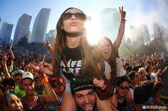 In the City #ravenectar #edm #rave #festival #bass #plur #love Music Festival Outfits, Music Festivals, Concerts, Tan Bikini, Rave Girls, Rave Gear, Edm Music, Edm Festival, Partying Hard