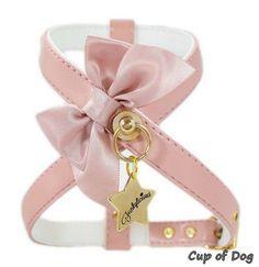 "Harnais chien Funkylicious ""Romantic Makeup"" https://www.cupofdog.fr/collier-harnais-chihuahua-petit-chien-xsl-243.html"