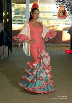 Trajes de flamenca - Trajes de gitana - Moda flamenca - Sevilla, Spain
