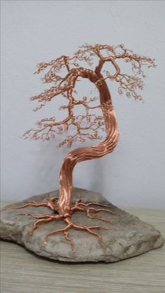Discover thousands of images about Wire craft Wire crafts Copper Wire Crafts, Copper Wire Art, Metal Tree Wall Art, Scrap Metal Art, Tree Of Life Art, Tree Art, Fantasy Wire, Bonsai Wire, Wire Tree Sculpture