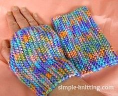 These easy knitting patterns are great for beginner knitters and all knitters who enjoy quick knits and simple knitting projects. The knitting fun starts here. Knitting Machine Patterns, Easy Knitting Patterns, Loom Knitting, Crochet Patterns, Simple Knitting, Knitting Ideas, Fingerless Gloves Crochet Pattern, Fingerless Mittens, Crochet Beanie