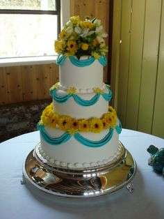 Sunny Summer Wedding by Windy City Cakery