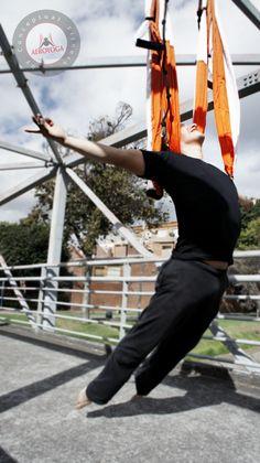 YOGA AERIEN ET PILATES AERIEN AVEC AEROYOGA® INTERNATIONAL EN FRANCE ET SUISSE #AERIALYOGA #Aero #AIR #aire #asana #Teachertraining #workshop #gravity #age #anti #wellness #BREATHING #bienestar #silks #trapeze #trapecio #CIRCUS #classes #pilates #fitness #gym #PRESS #aerien #hamaque #swing #yoga #coaching #Sport