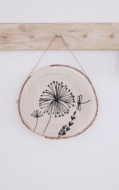 DIY Deko mit Holzscheibe diy tattoo - diy tattoo images - diy tattoo ideas - diy best tattooSource t Diy Crafts For Kids Easy, Diy And Crafts, Diy Bebe, Diy Tattoo, Kids Wood, Creative Walls, Wooden Diy, Wood Crafts, Cool Tattoos