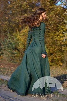 Robe de lin renaissance médiévale « Princesse de l'Automne » ArmStreet j'aime le laçage dans le dos et les manches aussi...