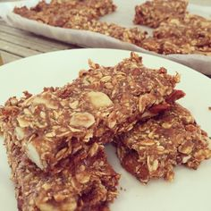 Nutty snack bar- www.sistermixin.com Bar Recipes, Great Recipes, Fruit And Nut Bars, Muesli Bars, Snack Bar, Oatmeal, Protein, Sweets, Sugar