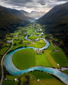 Stryn, Norway (aka the Great Valley in the Land Before Time) Beautiful Places To Travel, Wonderful Places, Nature Photography, Travel Photography, Photography Training, Canon Photography, Foto Blog, Fjord, Voyage Europe