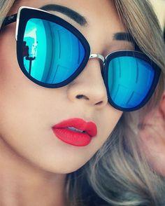 """New Quay sunglasses and wearing @jeffreestarcosmetics @jeffreestar velour lipstick in Anna Nicole.  #makeup #selfie #style #lookoftheday #lotd…"""
