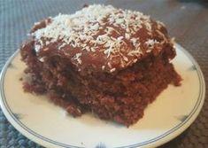 Supersaftige sjokoladekake: (langpanne) Kakebunn: 6 egg 6 dl sukker 500 g smør 8 ts bakep. Sweet Recipes, Cake Recipes, Dessert Recipes, Desserts, Chicolate Cake, Norwegian Food, Norwegian Recipes, Candy Cookies, Sweets Cake