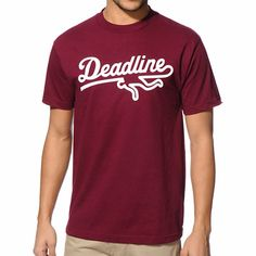 The Deadline Sports Logo burgundy is a clean and simple tee sure to satisfy any fashion buff.