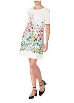 The Dixie features our striking botanical print for a dress that's bold and beautiful. The round neck and short sleeves on the tunic dress silhouette make for a gorgeous statement dress that's sure to impress. Best Wedding Guest Dresses, Dress Silhouette, Botanical Prints, Short Sleeves, Shirt Dress, Couture, How To Make, Tunic, Shirts