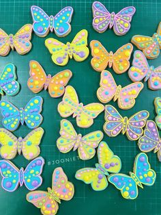 Butterfly Birthday Cakes, Butterfly Cookies, Butterfly Baby, Mini Mouse Cookies, Fancy Cookies, Sugar Cookie Royal Icing, Best Sugar Cookies, Easter Cookies, Birthday Cookies