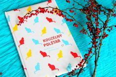 Kouzelná knížka nejen názvem. Bude dětskou knihovnu krášlit dlouho, protože je vhodná jak pro malé děti, kterým můžetepodle ní vyprávět, tak i pro větší, které už samy rády vymýšlí svoje příběhy...