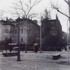 Palacio Xifré en el Paseo del Prado durante la Guerra, abril 1939. Albert-Luis Deschamps.