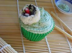 emily's recipes and reviews | uk food blog: sushi cupcakes with green tea buttercream.