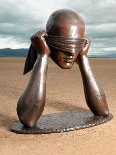 Sergio Bustamante / Bronze Sculpture / LA FELIZ CEGUERA