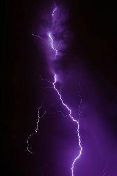 Violet Aesthetic, Dark Purple Aesthetic, Lavender Aesthetic, Aesthetic Colors, Aesthetic Backgrounds, Aesthetic Iphone Wallpaper, Aesthetic Wallpapers, All Things Purple, Purple Stuff