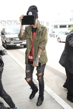Ruby Rose Photos Photos - Ruby Rose is seen at LAX on May 13, 2016. - Ruby Rose…