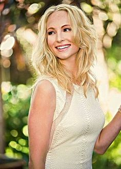Candice Accola ✾ The Vampire Diaries Stefan And Caroline, Caroline Forbes, Candice Accola, Hottest Female Celebrities, Celebs, Pretty People, Beautiful People, Vampire Barbie, Candice King