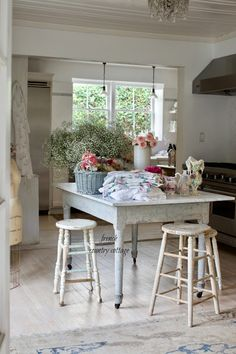 Behind the scenes- Photo Shoot at Rachel Ashwell's house and exciting news - FRENCH COUNTRY COTTAGE