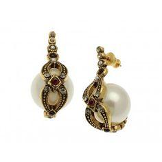 Earrings costume jewelery, fine jewelry: handmade products.
