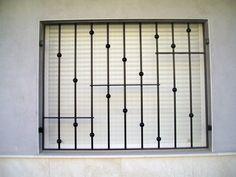 reja minimalista Home Window Grill Design, Window Grill Design Modern, Balcony Grill Design, Grill Door Design, Balcony Railing Design, Gate Design, Window Design, Window Security Bars, Burglar Bars