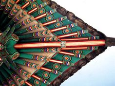 Korean Traditional Decorative Coloring on Wooden Buildings
