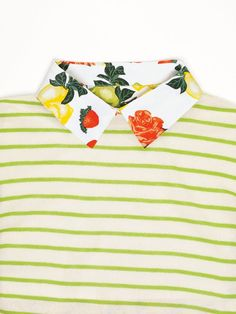 printed collar and stripes