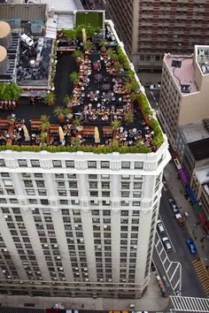 NYC. Roof garden restaurant @ 230 5th Avenue New York