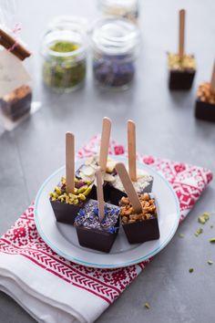 Cioccolata calda su stecco Da sciogliere nel latte caldo. Un'idea carina e golosissima da regalare.  Stick chocolate (for hot milk)